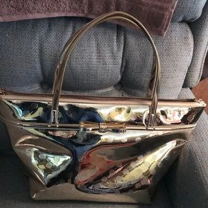 Kate spade hold purse used only twice.